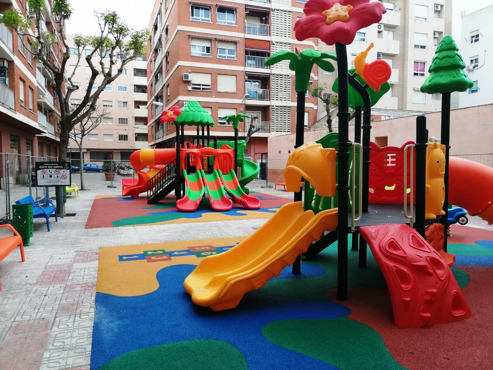 Segunda zona de juegos para niños entre 3 y 12 años